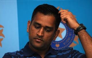 Court issues non-bailable warrant against MS Dhoni