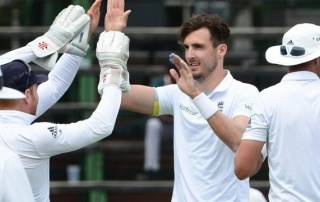 Steven Finn leads persistent England bowling attack