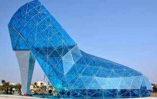 Taiwan builds a giant glass shoe Church to attract more women