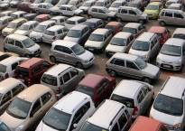 Car sales hit speed bump in Jan, sales fell for first time in 15 months