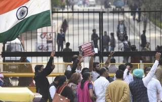 Massive showdown at JNU gate by Hindu outfits; ABVP protests in J&K