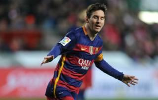 Lionel Messi moves past 300 La Liga goals