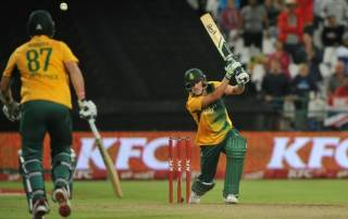 Chris Morris provides late heroics for South Africa