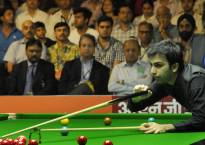 Advani surprised by Balachandra in Asian Billiards quarters