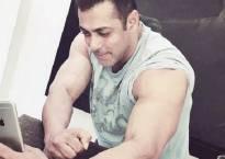 Salman Khan's biceps selfie proves he is Hottie at 50
