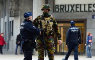 Huge manhunt after Islamic State kills 35 in Brussels bombings