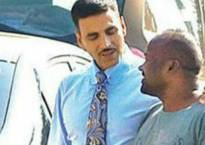 Akshay Kumar delayed at Heathrow airport