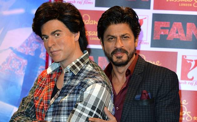 Shah Rukh Khan with wax figure at Madame Tussauds