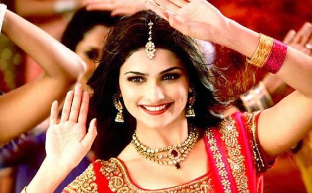 Prachi Desai laughs off tiff rumours with Shraddha Kapoor