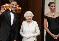 Obamas to dine with Queen Elizabeth II