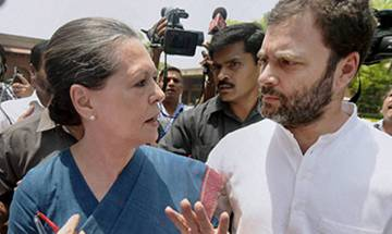 Sonia Gandhi meets party leaders on AgustaWestland issue
