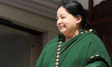 Jayalalithaa calls on Tamil Nadu Governor, stakes claim to form government
