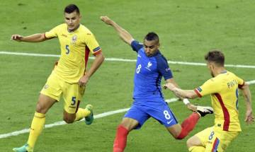 Euro 2016: France overcome pressure to win over Romania