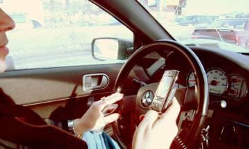 Using hands-free device while driving not safe: Study