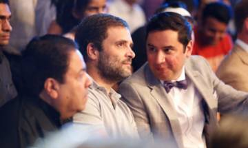 Rahul Gandhi booed by crowd during Vijender's title clash