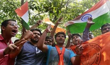 Clash between ABVP and DU teachers at Daulat Ram college