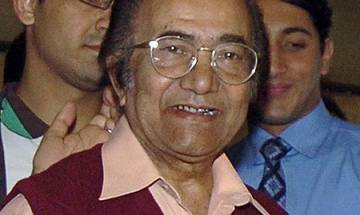 Pakistani cricket legend Hanif Mohammad survives after losing heartbeat for six minutes
