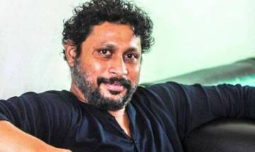Taapsee Pannu touches producer Shoojit Sircar's feet