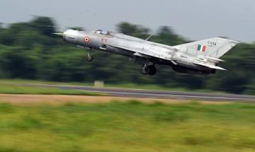 MiG-21 fighter jet makes emergency landing at Srinagar Airport due to technial snag