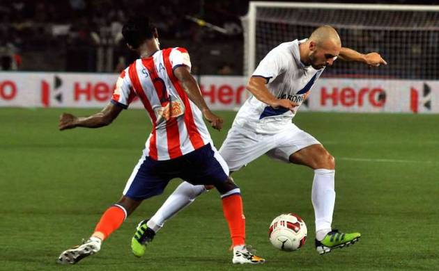 Atletico de Kolkata and Mumbai City FC players during an ISL match (source: cricketnmore.com)