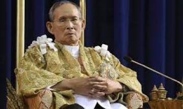 Thai king Bhumibol Adulyadej's body at Grand Palace for people to pay respects