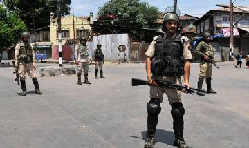 Watch: Militants snatch guns from J&K cops in Anantnag; Police to install Israeli chips to track thieves