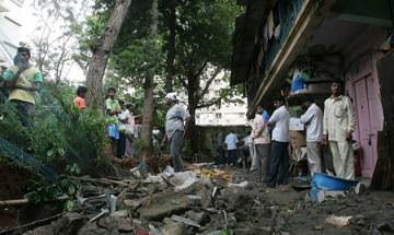 One killed as portion of building collapses in Mumbai
