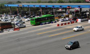 Noida-Delhi DND flyway declared toll free by Allahabad High Court