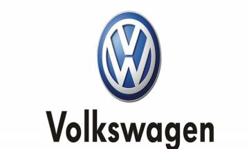 Volkswagen on track massive loss a year ago over its emissions cheating scandal
