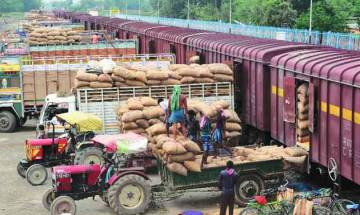 Pak trade body warns it may suspend trade with India amid current hostile conditions