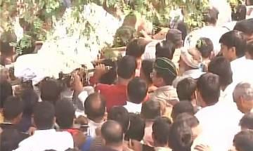 OROP suicide: Grewal cremated; Rahul, Kejriwal others make beeline to village