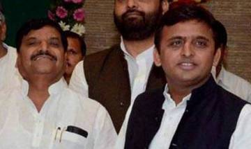 Shivpal-Akhilesh tussle: A disjointed frame of unity during Samajwadi Party's silver jublee show