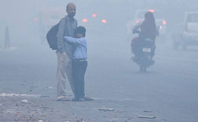 Delhi smog increases, city govt issues health advisory