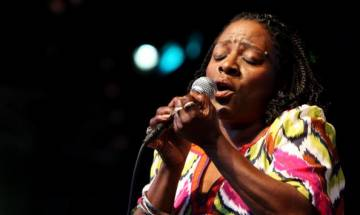 American soul and funk singer Sharon Jones dies after suffering from pancreatic cancer