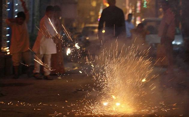 Firecrackers are a major source of pollution (Image Source: Getty)