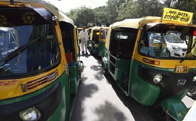 Yogendra Yadav alleges auto scam involving AAP govt and finance mafia , demands CBI probe (pics: Getty Images)