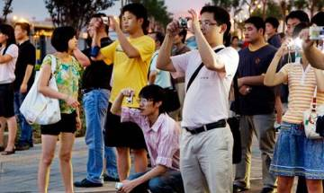 Demonetisation aftermath: India asks Chinese travelers to carry credit, debit cards