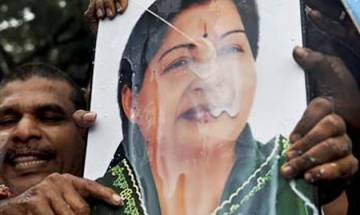 Jayalalitha's health: Scuffle between AIADMK workers and Police outside Apollo Hospital in Chennai
