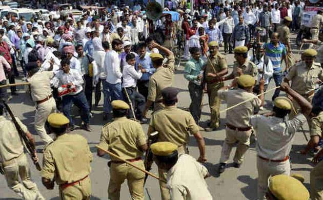 Four policeman injured after being attacked by a group in Bihar