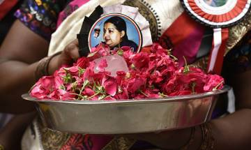 In Pics: Jayalalithaa supporters pray for her speedy recovery