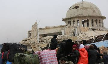 Syrian rebels, government forces reach deal to resume Aleppo evacuations