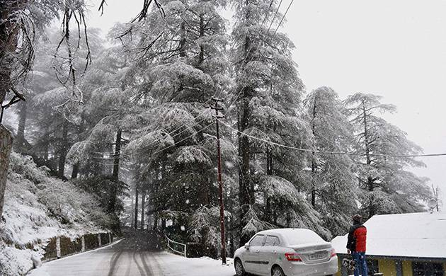 Season's first snowfall in Shimla has affected the wind temperature across the North India