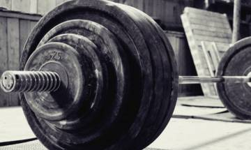 22-year-old weightlifter dies after 315-pound barbell crushes his neck in US