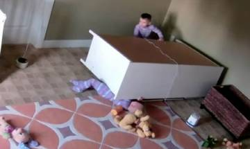Watch: Toddler 'miraculously' saves twin broher from being crushed under fallen dresser