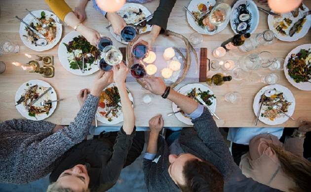 Now booze with friends to boost wellbeing (Representational Images)