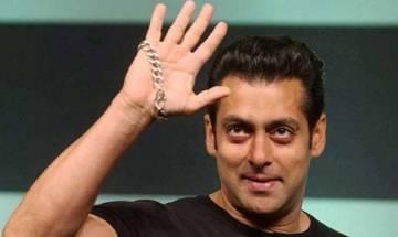 Salman expresses thanks to Rakesh Roshan for making him work with Shah Rukh in 'Karan Arjun'