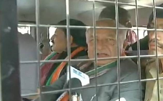 Sushil Kumar Shinde detained by police in Ahmedabad (Pics source:ANI)