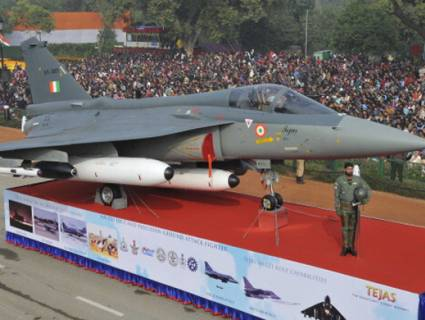 Light combat aircraft Tejas makes maiden appearance at