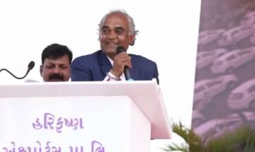 Surat diamond merchant Savji Dholakia gifts 1,200 cars to staff as newyear bonus | See pics and video