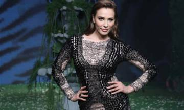 Salman Khan's rumoured girlfriend Iulia Vantur makes Indian runway debut at LFW (Watch Video)